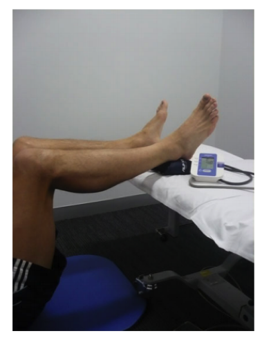 Figure 2. The isometric strength of the posterior chain may also be evaluated through the use of a sphygmomanometer, although precision and reliability may be compromised (image obtained from Schache et al., 2011).